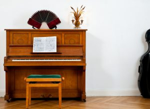 Piano, bandoneon and chello